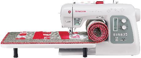 singer-8500q-quilter-asztallal.jpg
