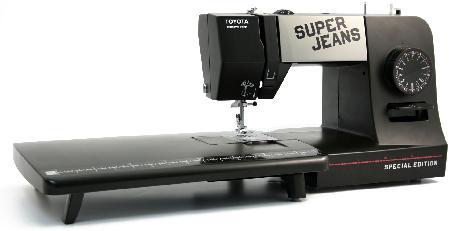 toyota-super-jeans-15pe-varrogep-asztallal.jpg