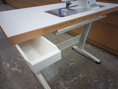 varrogep-asztal-fiok.jpg
