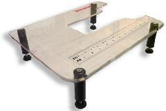 bernette-ratolhato-plexi-asztal-london-5-varrogephez.jpg